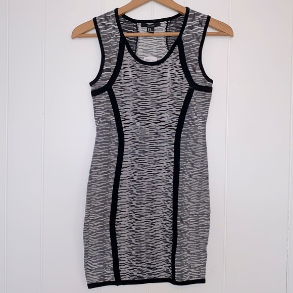 NWT FOREVER 21 DRESS - SMALL